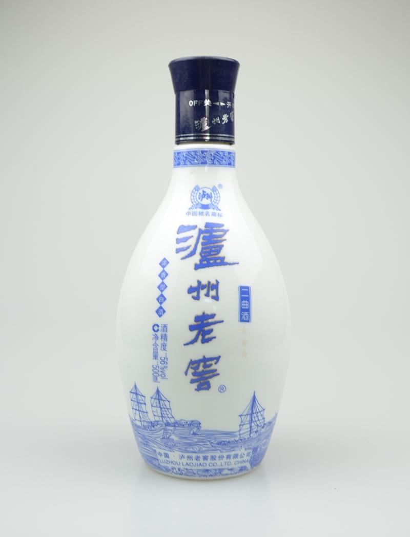 乳白玻璃酒瓶批发公司